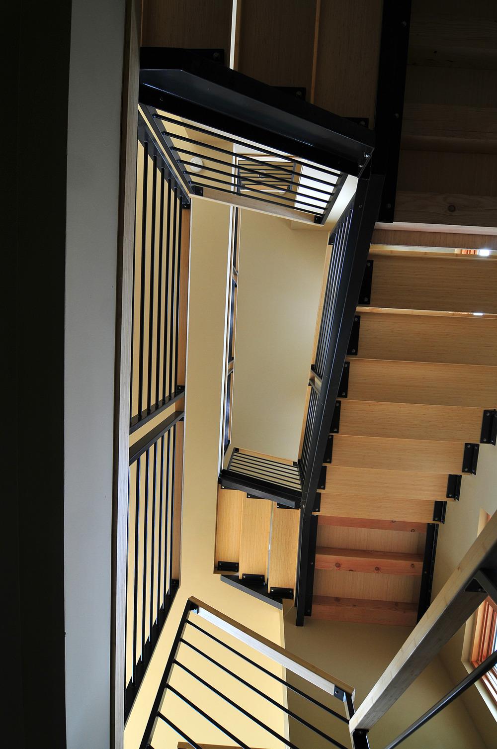 stairs375.jpg