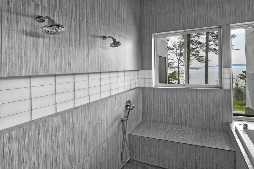 DSC_0986 Master Shower.jpg