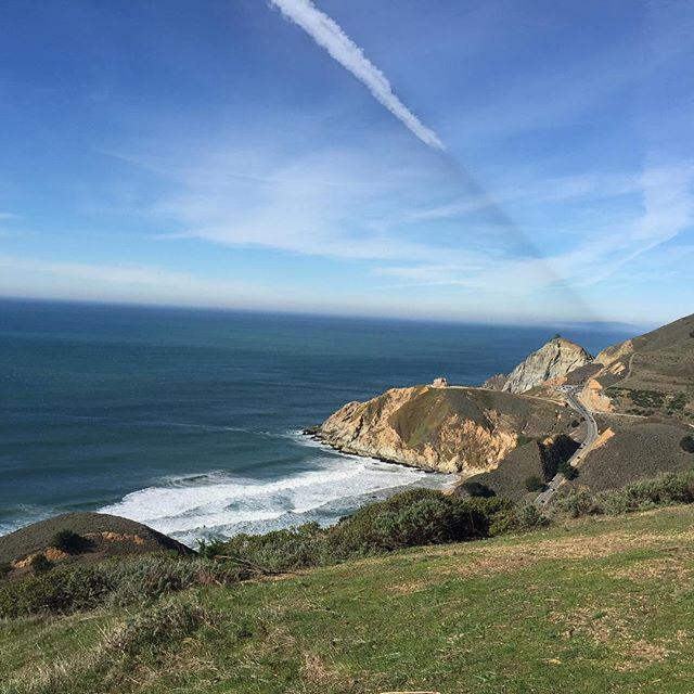 California winter vibes 🙌🏽 #optoutside #california #californialiving #californiaadventure #californiacoast #beach #coast #hike #outdoors #outdoorlife #beautiful #mountains #ocean #oceanside #nature #naturephotography #photography #photographer #californiaphotographer