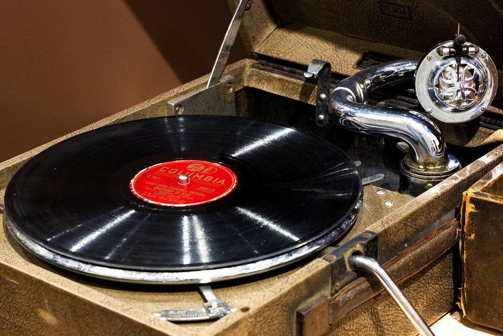 Vinyl 002.jpg