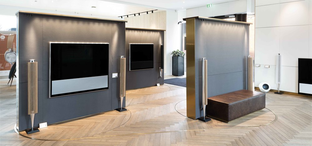 Rotating walls for product display at Bang & Olufsen retail store