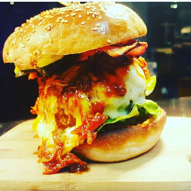 #pulledpork #burger #meatlover #londonfood #instafoodie #food #pubgrub #foodporn #foodgasm #insta #instadaily #london #enfield #winchmorehill #publife #happycustomer #pickoftheday #tastsensation #tasty #pork #chefsatwork #londonfood #instafoodie #food #cheflife #industry #homemade