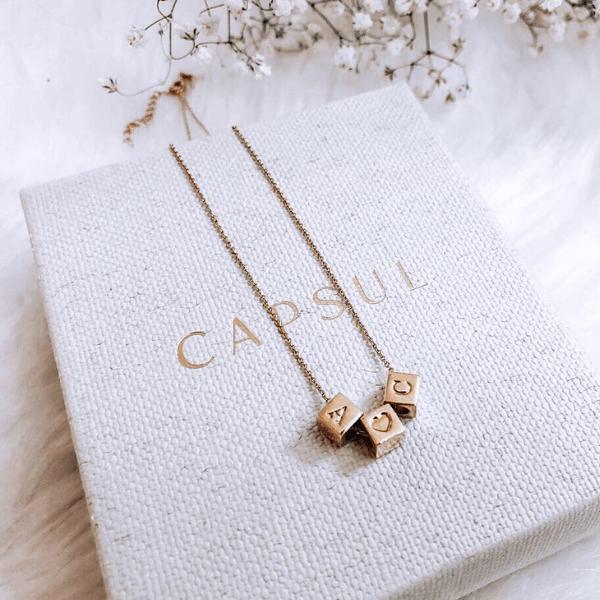 Capsul Jewelry -