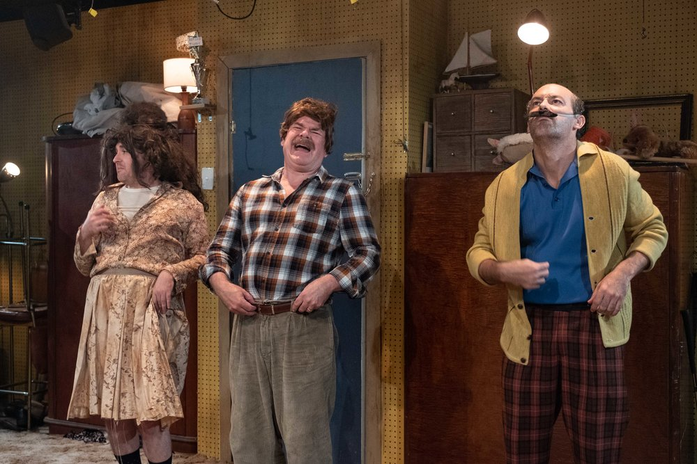 WalworthFarce_KXT_productionimages_clarehawley-21.jpg
