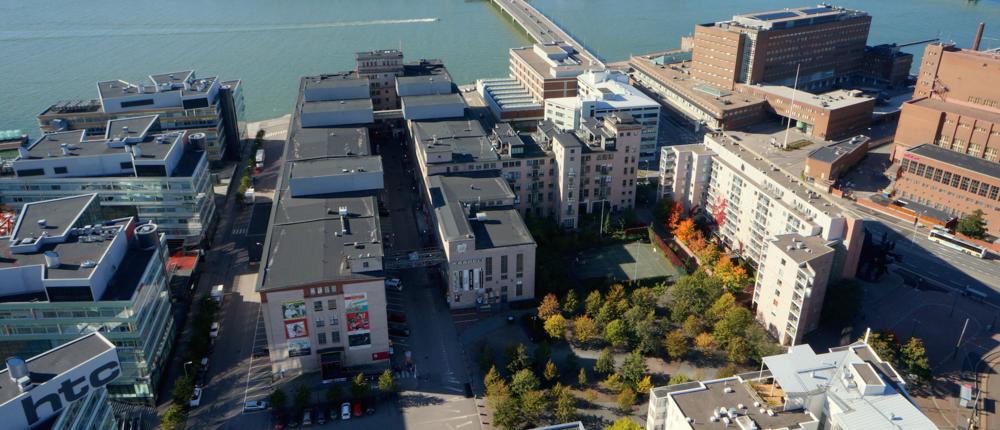 Toimistomme sijaitsee Kaapelitehtaalla Helsingin Ruoholahdessa.