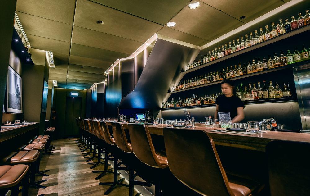 Lindsay Jang_RONIN Restaurant Interior.jpg