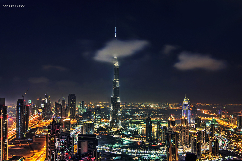 Clouds passing thru Burj Khalifa
