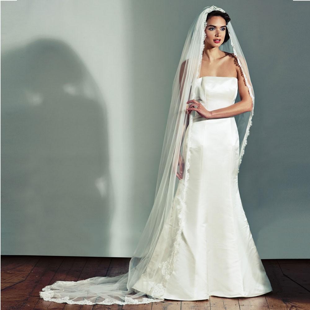thairapy session stylist for Joyce Jackson veils 2012