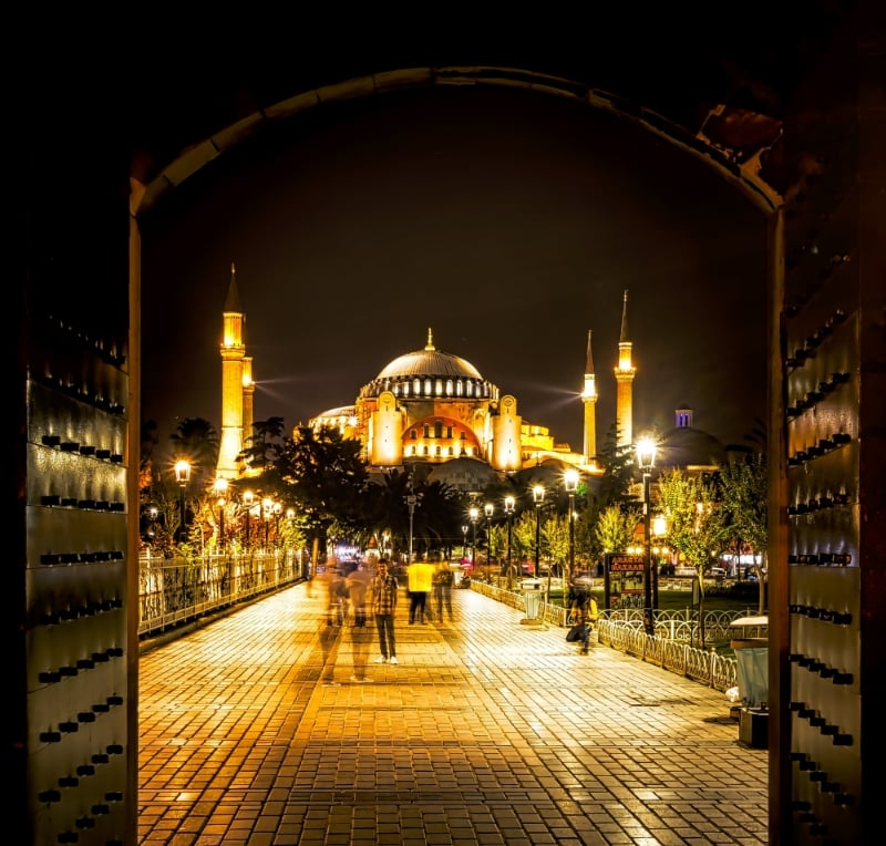 This pathway between the Blue Mosque and the Hagia Sophia isn't terribly crowded on a cool night. But during the day this area is packed with tourist traffic.  I believe an attack here would injure far more than 10 people on any given day.