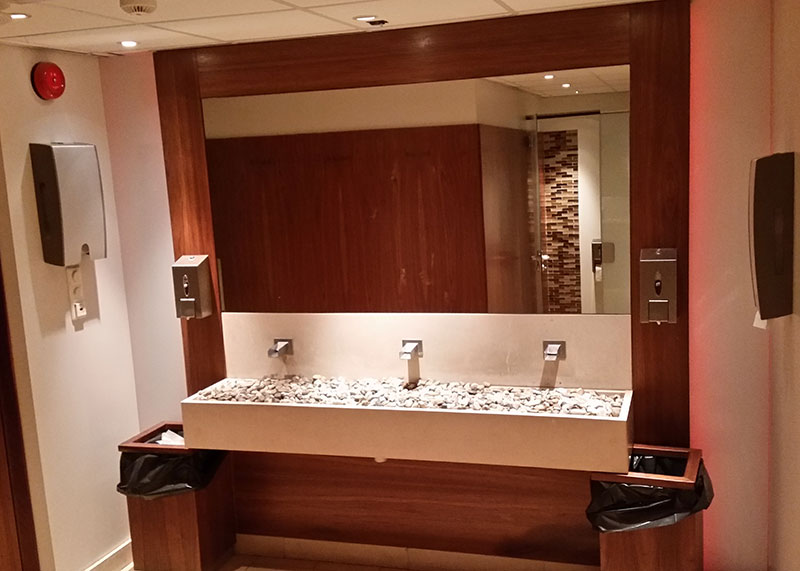 Arbeid-toalett-cornelius-valnøtt.jpg