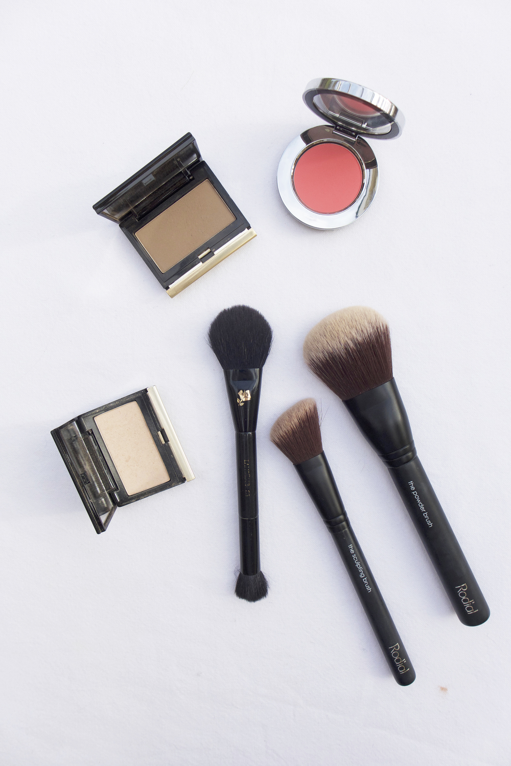 JHM. BlogThe Best Brushes For Contouring
