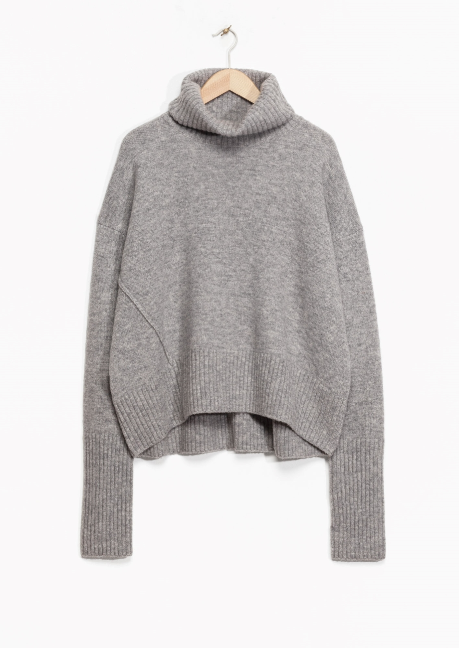 http://www.stories.com/gb/Ready-to-wear/Knitwear/Turtleneck_Sweater/582940-110786474.1