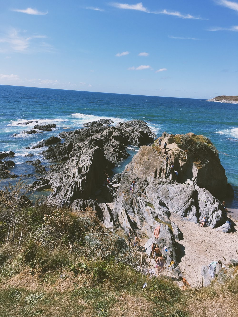 AMOUR OPHELIA BARRICANE BAY TRAVEL GUIDE