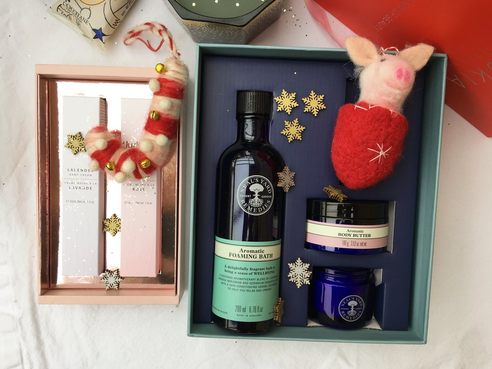 NEALS YARD CHRISTMAS SETS