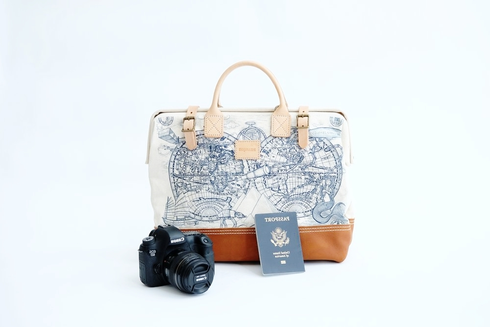 To shop travel bags, click   here  !