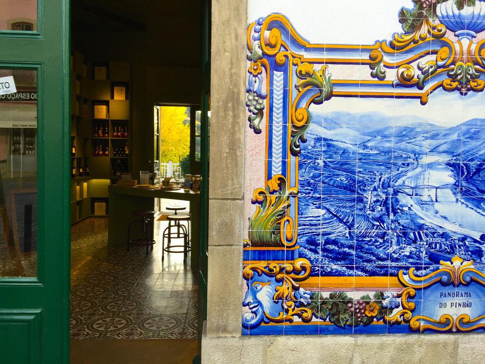 Portugal+Douro+December+2016+FROM+PHONE+Pinhão+train+station+split+dining+room+mural+IMG_1277.jpg