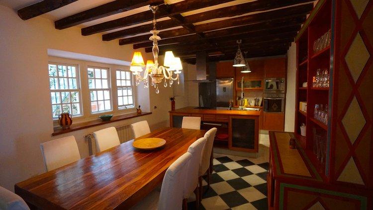 Portugal+2016+Colares+Casa+do+Ferreiro+kitchen+DSC08473+2+copy.jpg