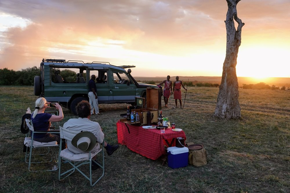 For many safari aficionados, the quality of a safari outfitter is measured by safari sundowners and storytelling, and Don Young sets the standard for both.