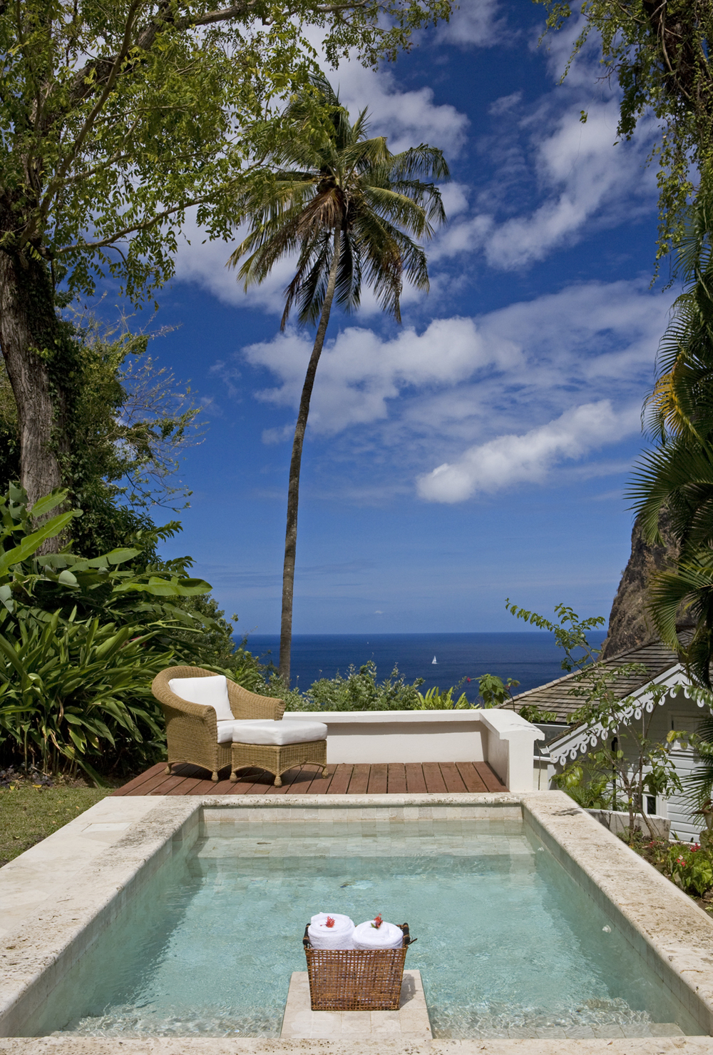 10 - HIGH-RES-Luxury Villa pool 903.jpg