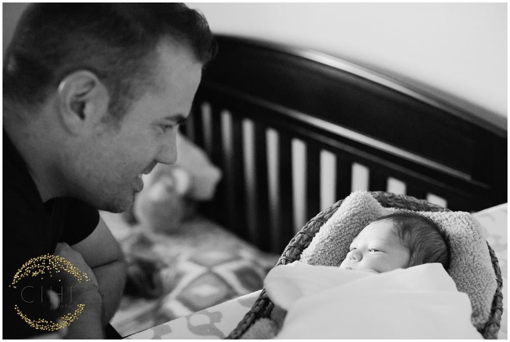 Sarasota December Newbory Baby Boy_2154.jpg