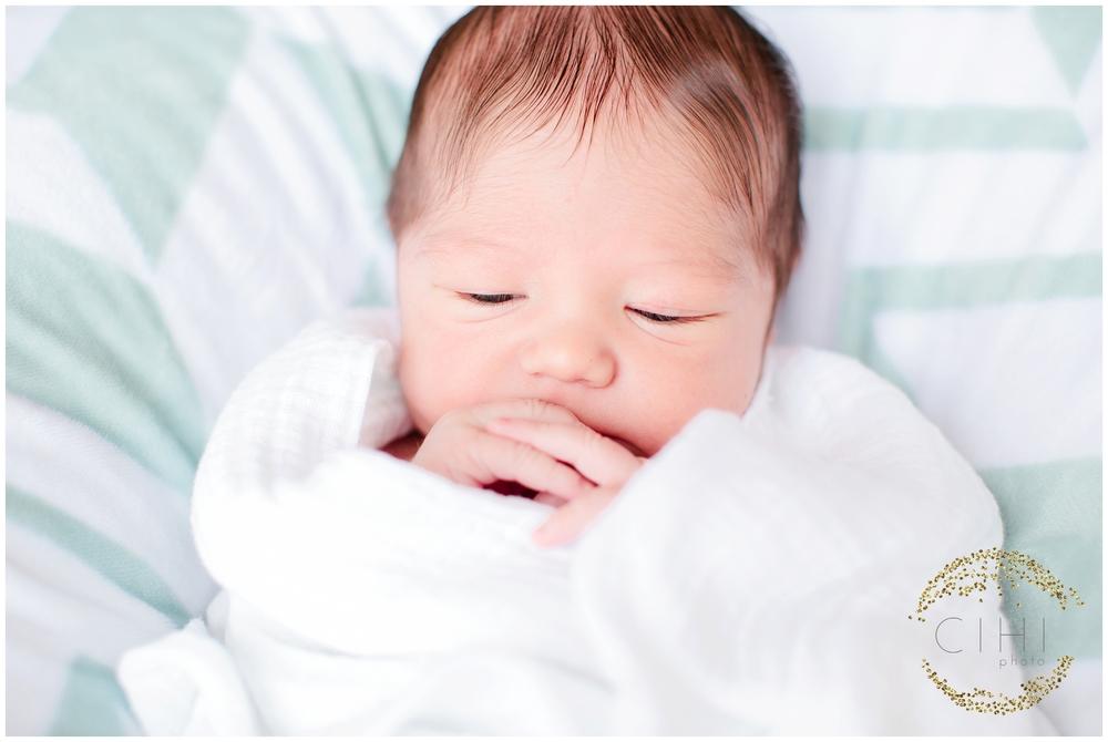 Sarasota December Newbory Baby Boy_2156.jpg