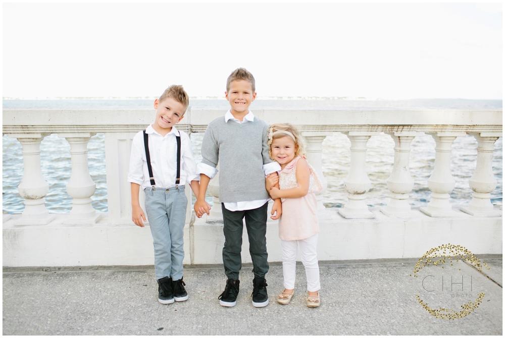 Bayshore Boulevard Ashlee Proffitt Neutral Family Portraits Tampa_0189.jpg