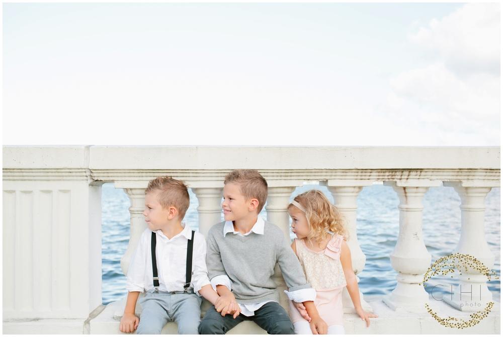 Bayshore Boulevard Ashlee Proffitt Neutral Family Portraits Tampa_0198.jpg