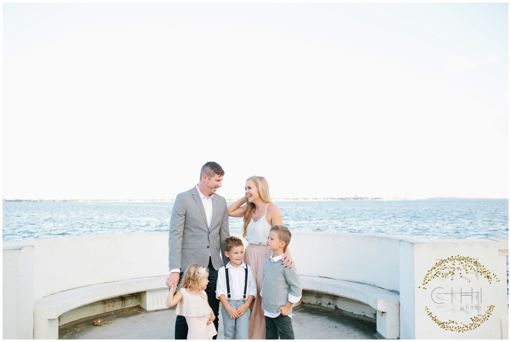 Bayshore Boulevard Ashlee Proffitt Neutral Family Portraits Tampa_0200.jpg