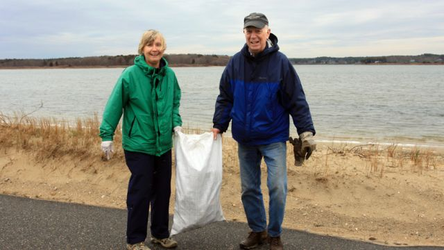 ss-vcs-beach-cleanup-2a.jpg