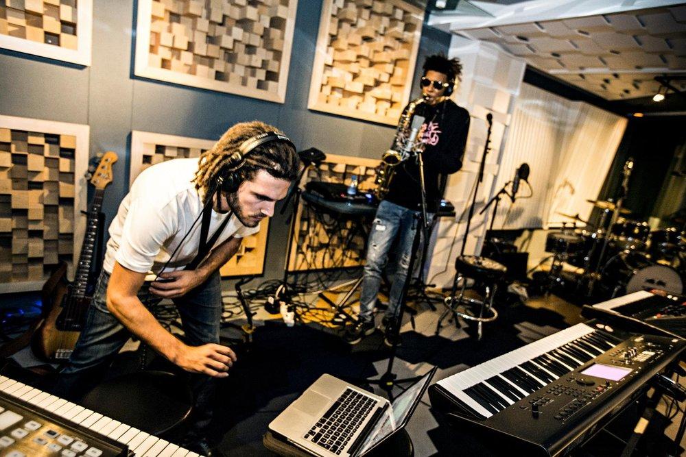 fkj-masego-jam-red-bull-studios.jpg