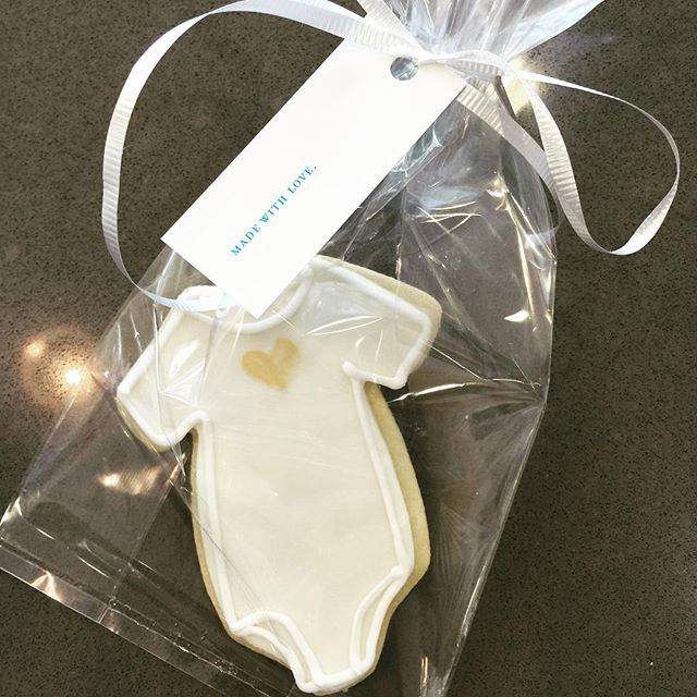 The #austinmomsblog Bloom event was so fun this morning. Love these cookies by @eatloveandcookies So cute!