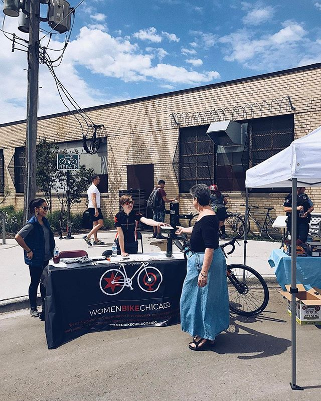 We're out at @the606chicago bike rally! Come hang out, get a helmet fit and enjoy the weather! #womenbikechicago