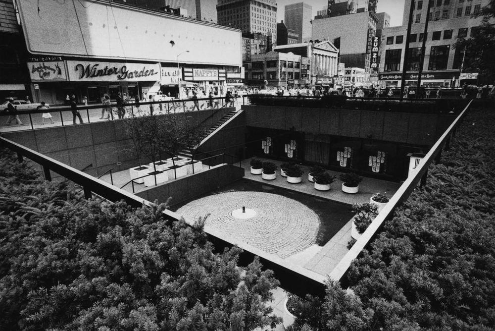 15_31_Sunken Plaza_Dan Wynn Archive.jpg