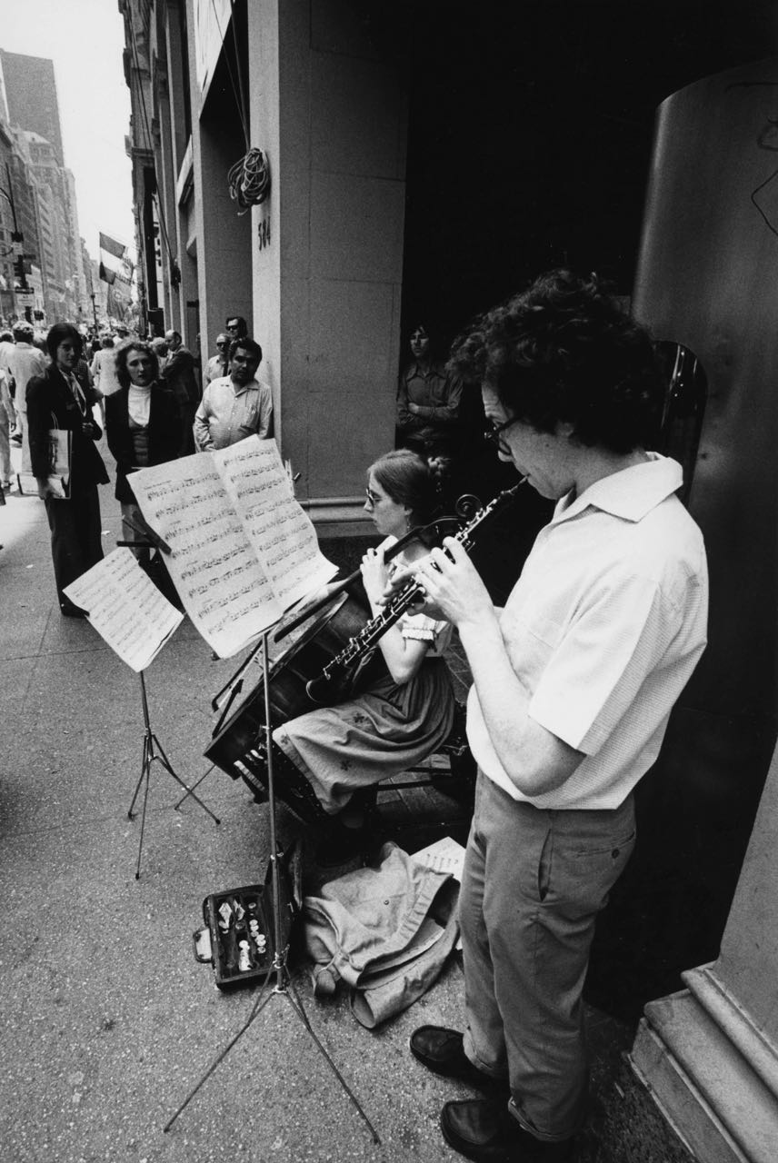 15_43_Cello player and clarinet player_Dan Wynn Archive.jpg