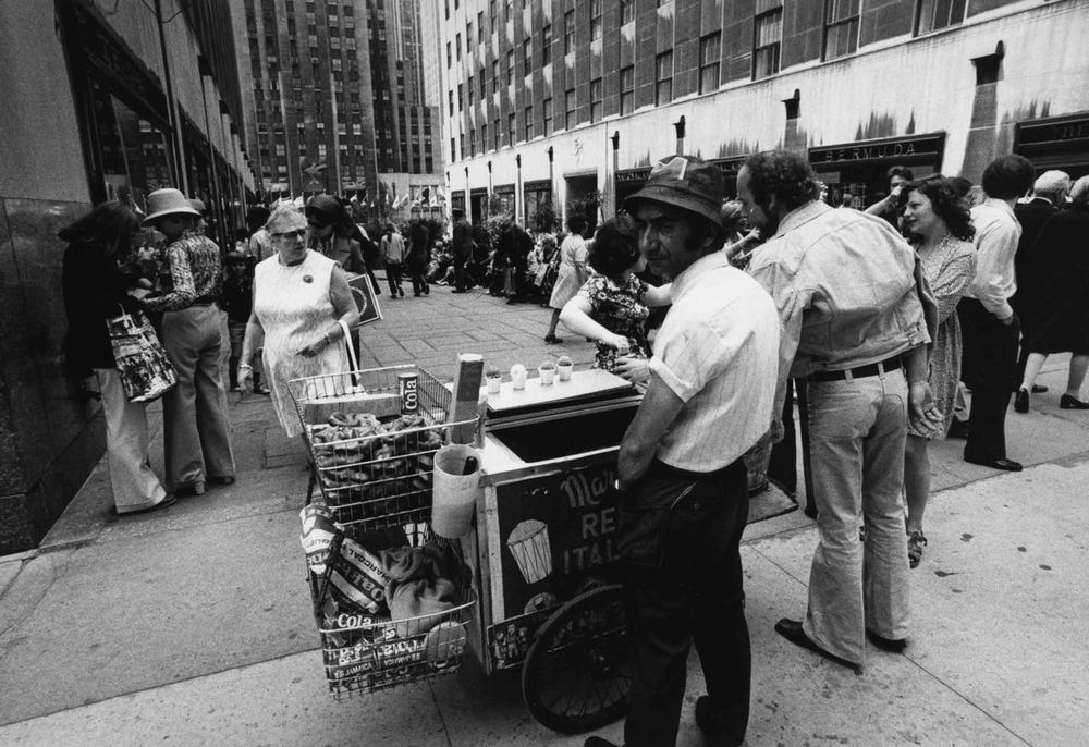 15_55_Street food vendor_Dan Wynn Archive.jpg