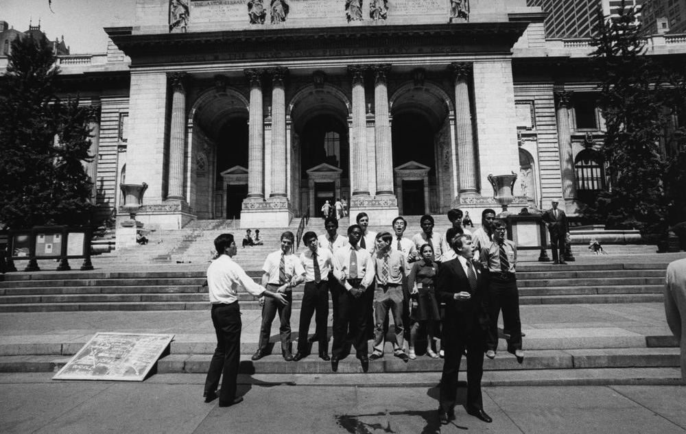 15_84_Group of young people in front of New York Public Library_Dan Wynn Archive.jpg