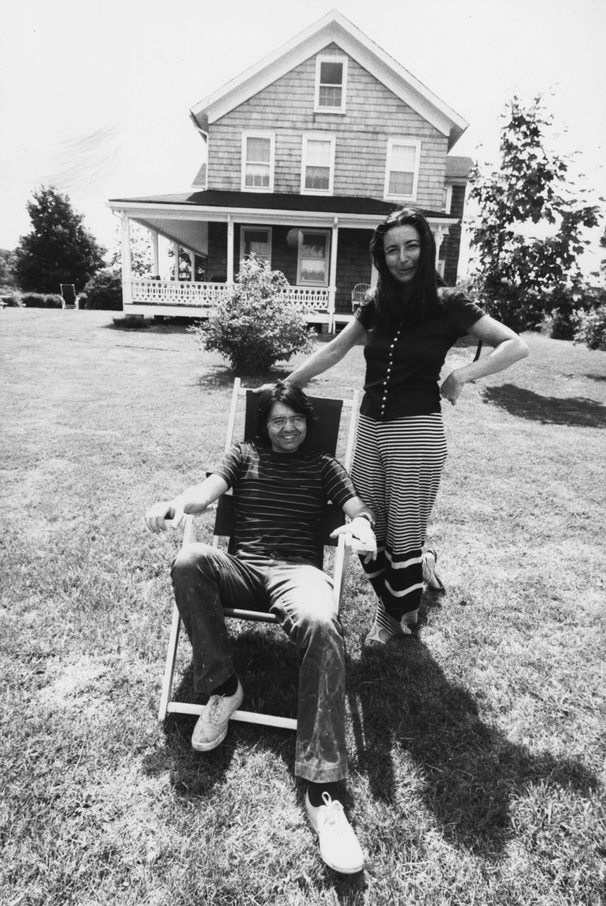 15_18_A couple in the front yard of a house_Dan Wynn Archive.jpg