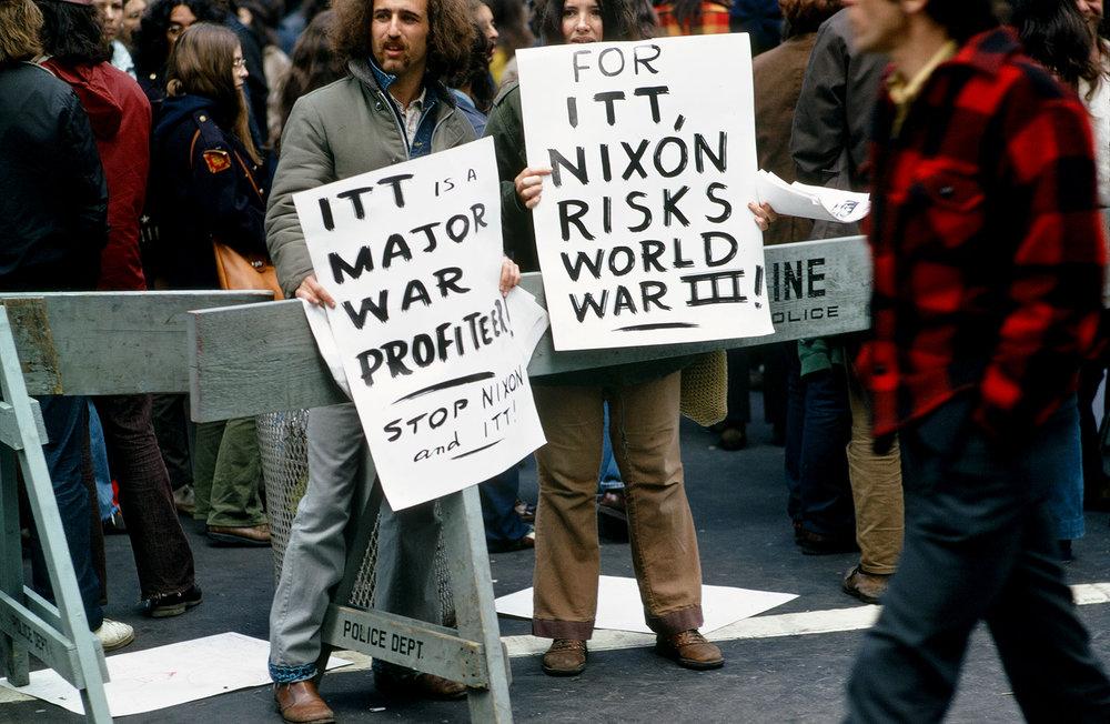 Dan-Wynn_Political-Protest-Nixon_03-01-72_0002.jpg