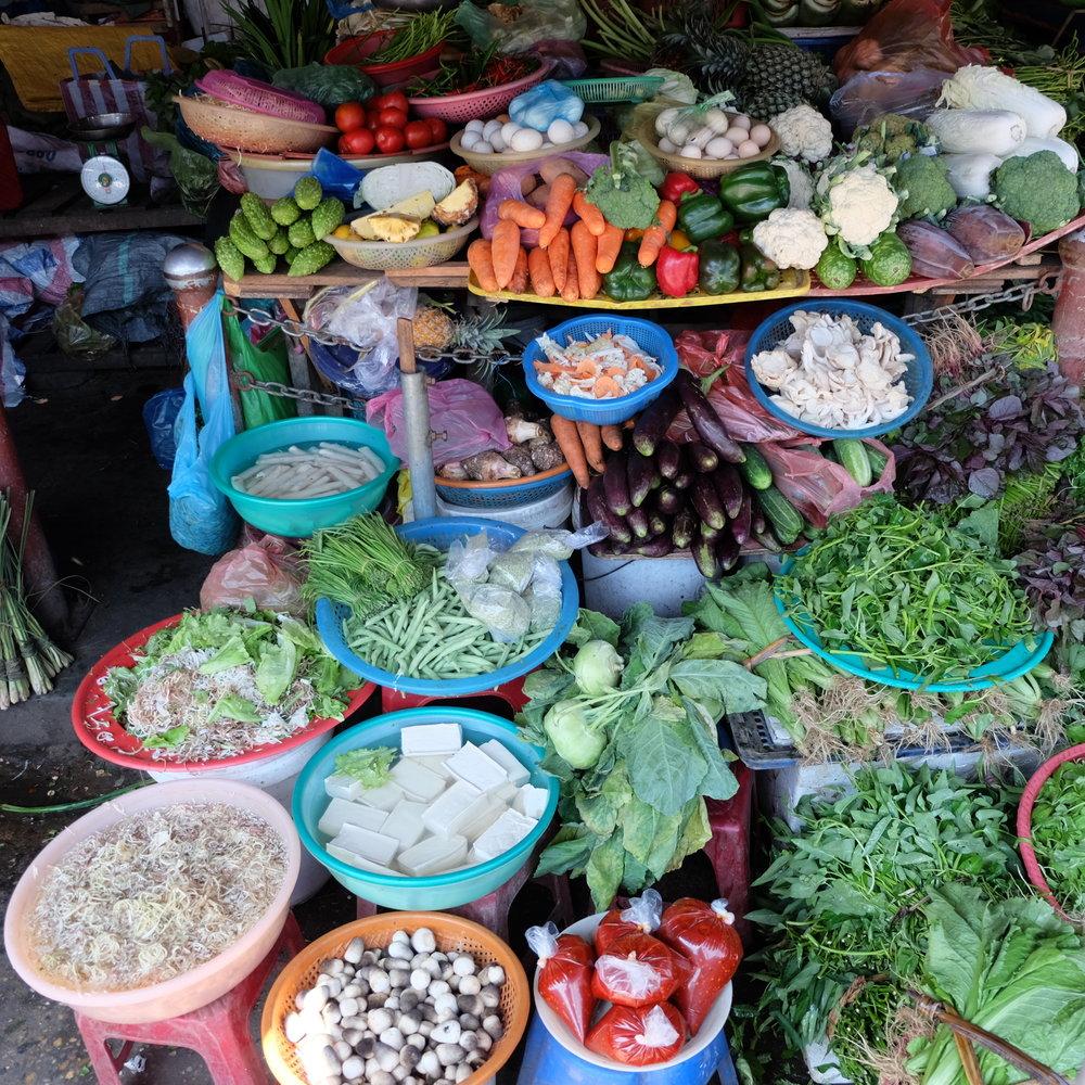 market vietnam.JPG