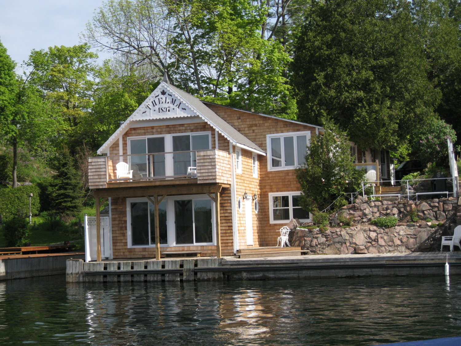 water vacations rentals waters cottages property s the kawartha edge cottage barrie