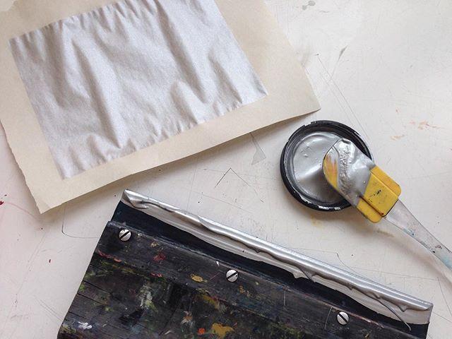 Un nouveau projet in the making! #liripaa #silverproject #artenacadie #artactuel #serigraphie