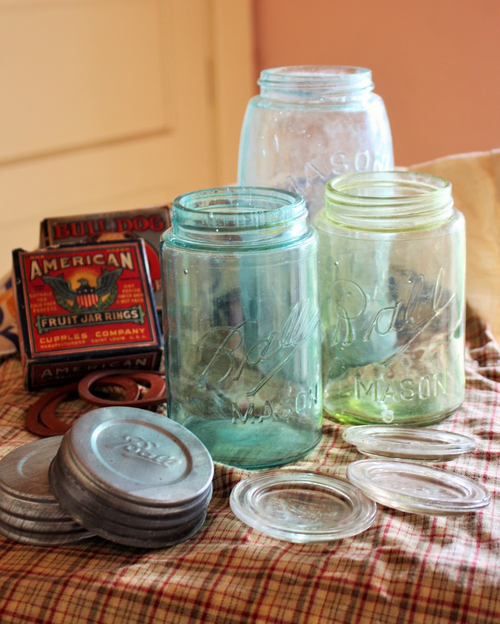 a old jars2.JPG