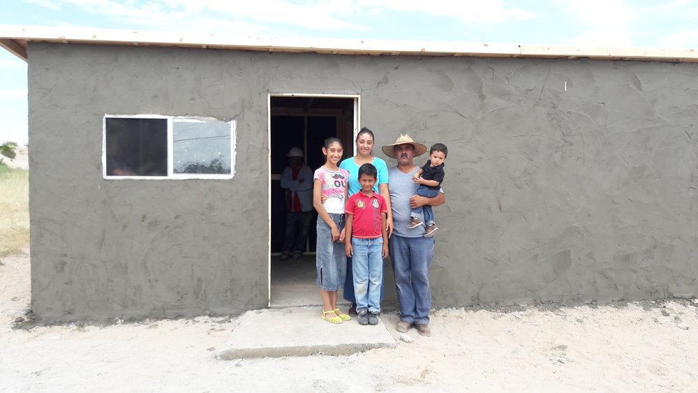 Familia Fierro Castro.jpg