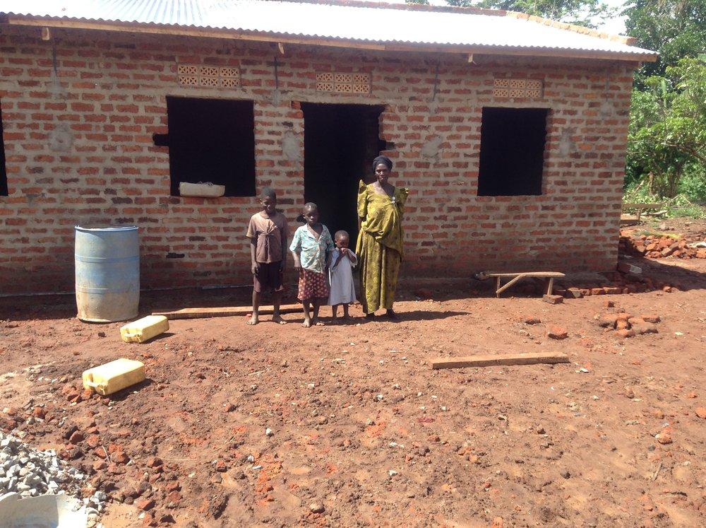 Esaza and family new house & latrineIMG_2293.JPG
