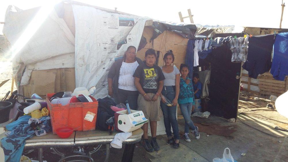 Familia Montes Vasquez lista de Espera 17CJ0008.jpg