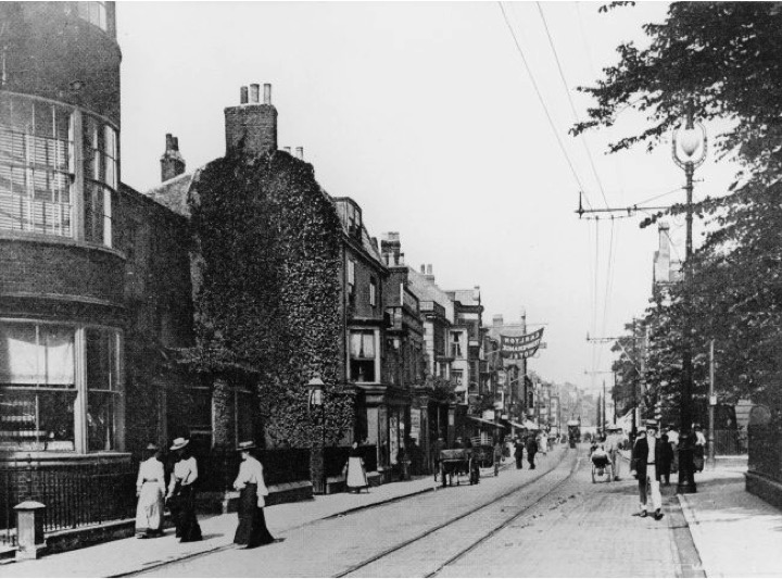 The Carlton Temperance Hotel, Great Yarmouth, c 1907. With thanks to Norfolk Library and Information Service (click the image to be taken to www.picture.norfolk.gov.uk)