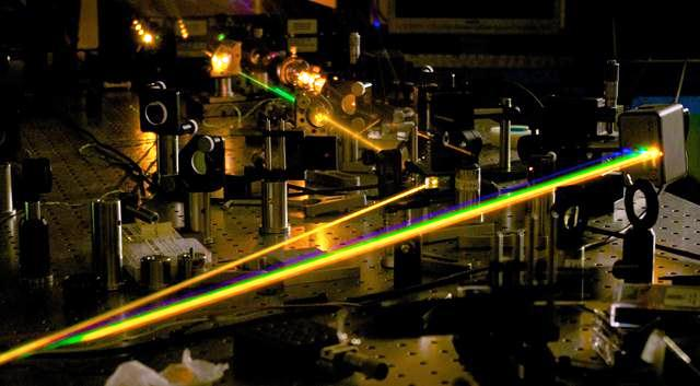 These lasers are specifically developed for ultra-high precision molecular spectroscopy in the near infrared (from 1 to 2 µm) and mid infrared (from 2.5 to 5 µm) spectral regions.