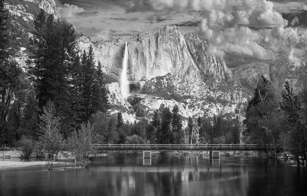 Yosemite Falls BW .jpg