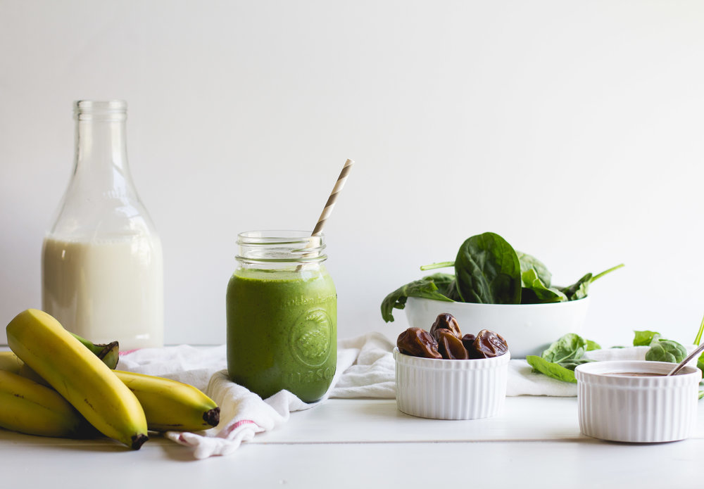 Green Breakfast Smoothie [paleo + vegan!]