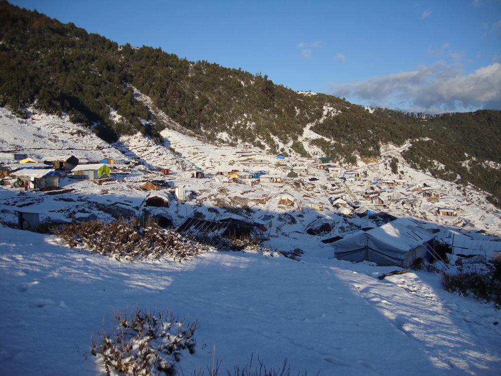 * Onverwachte sneeuwval tijdens ons verblijf in Gupsi Pakha, Laprak.